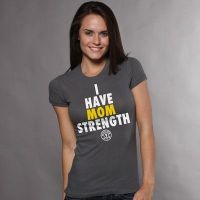 camiseta chica i have mom strenght - Gold's Gym