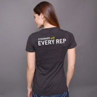camiseta chica stronger with every rep- Compra online en MASmusculo