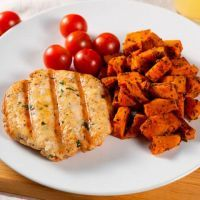 Chicken hamburger with sweet potato and tomatoes cherry ManaFoods - 2